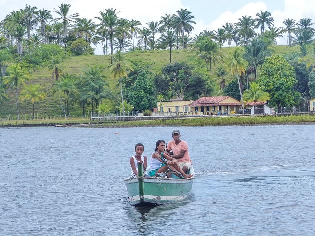 Moradores da Baía de Camamu.