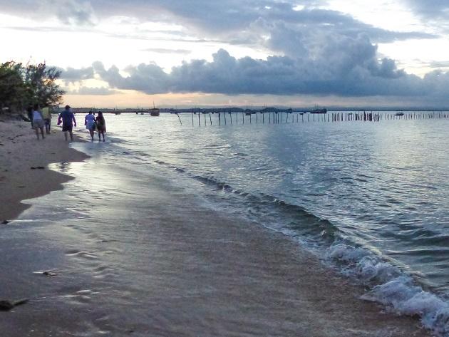 Entre as praias de Mutá e Barra Grande.