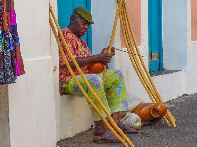 Vendedor de Berimbau no Pelourinho
