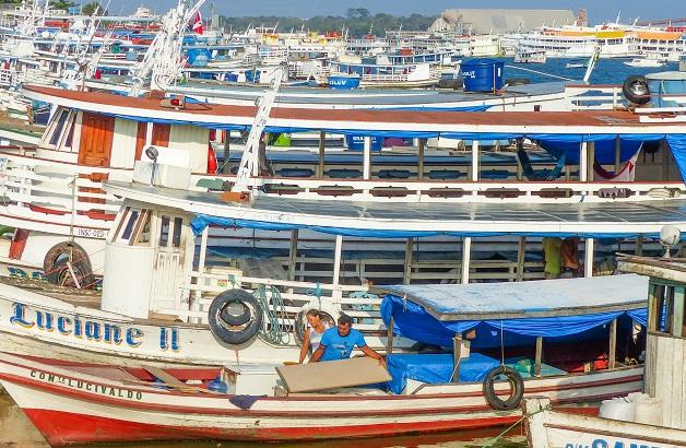 Barcos em Santarém