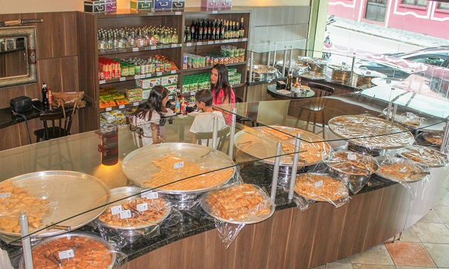 Al Baba: A confeitaria árabe de Curitiba