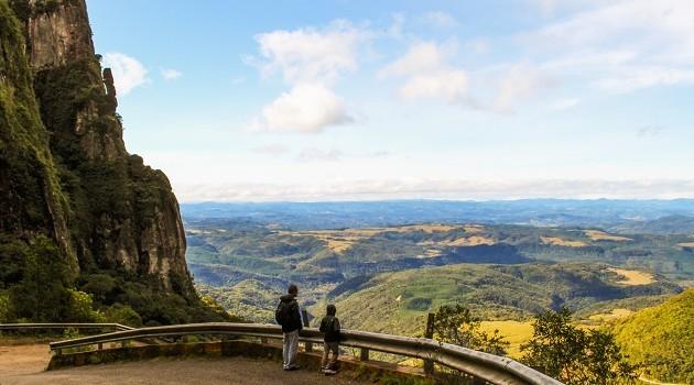 Mirante no início da Serra do Corvo Branco, uma das atrações de Urubici.