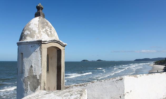 Praia da Fortaleza vista do alto do forte.