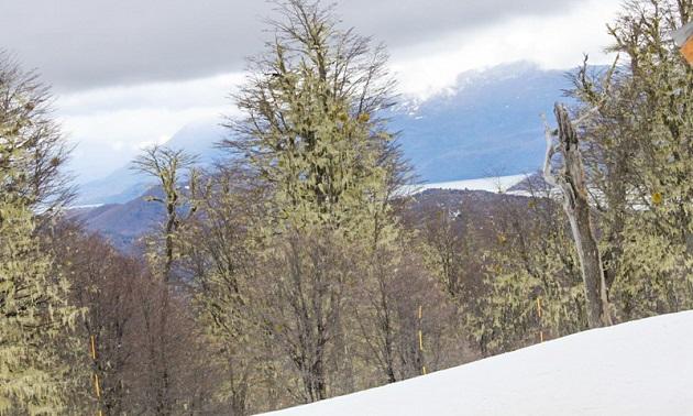 Vista do Lago Nacar a partir do primeiro nível de Cerro Chapelco.