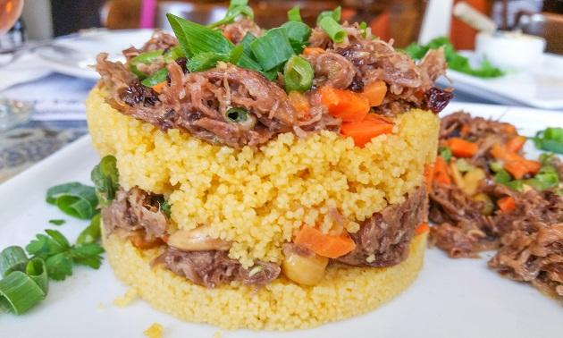 Os 10 melhores restaurantes árabes de Curitiba para comer bem e se divertir